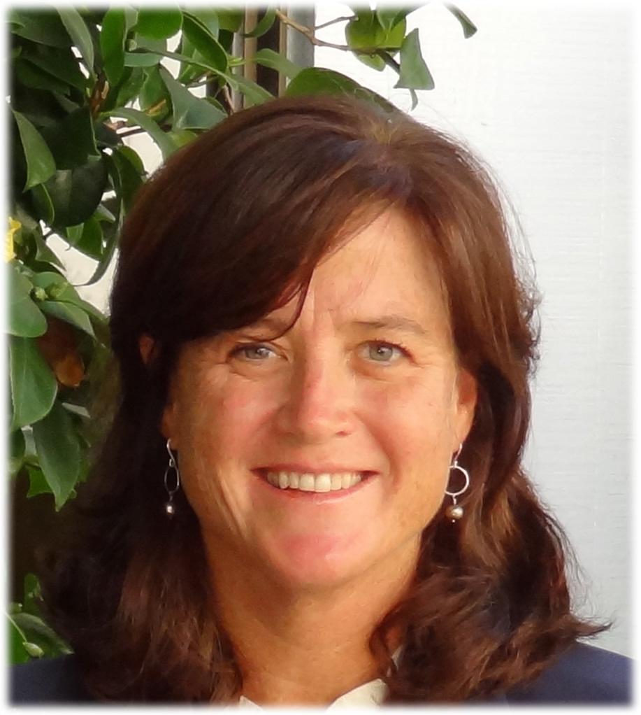 Julie Martel, Associate